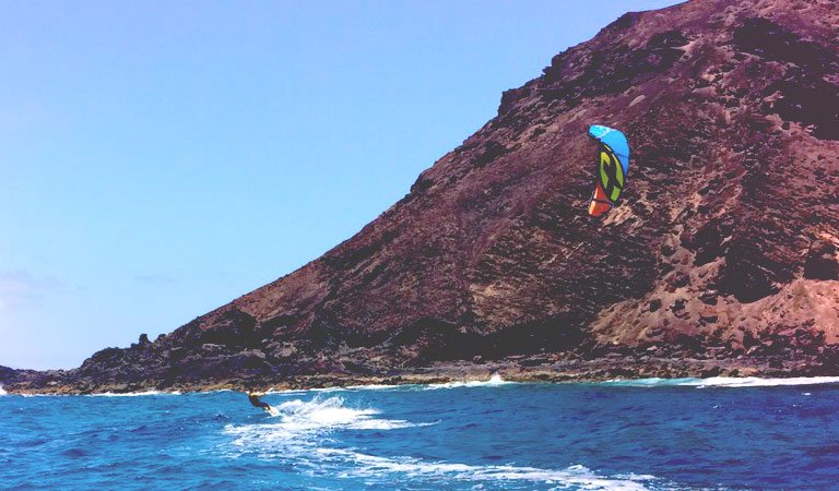 downwind-kiteboarding-session