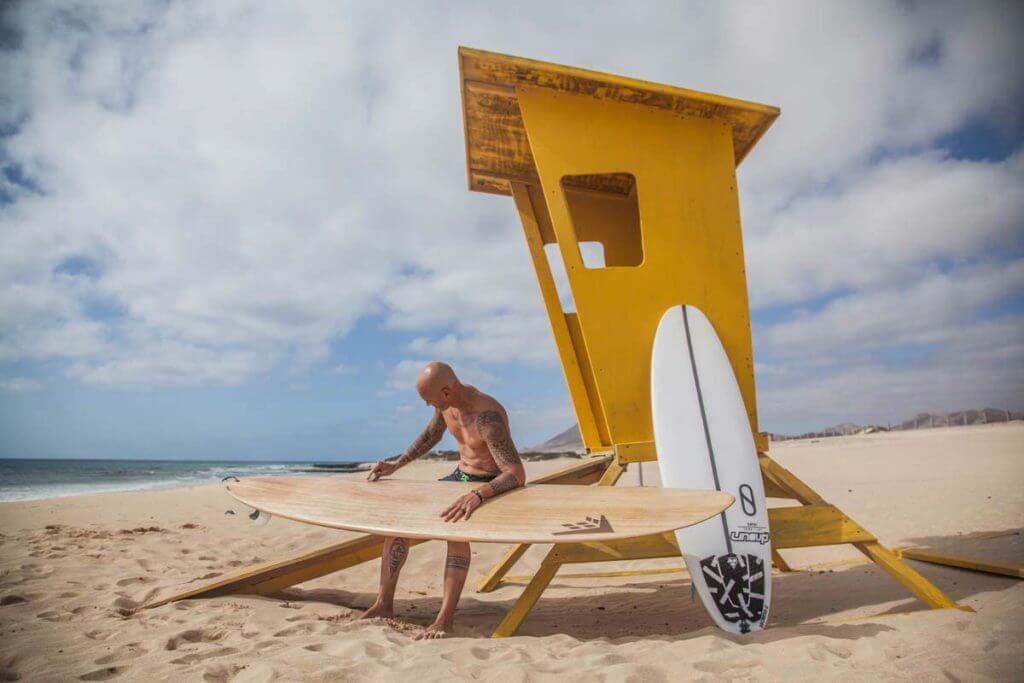 teiva-joyeux-core-surfing