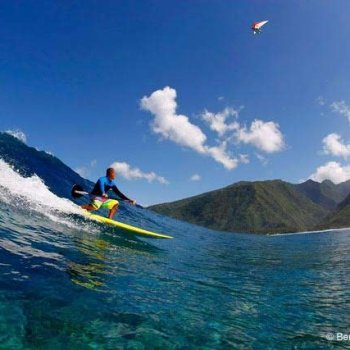 Free surfer Teiva Joyeaux